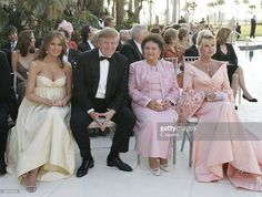 Donald Trump and his wife Melania Trump (L) sit with Ivana Trump (R) and her mother Maria Zelnicek attend the wedding ceremony of Donald Trump Jr and Vanessa Haydon at the Mar-a-Lago Club on November 2005 in Palm Beach, Florida. Trump Melania, Donald And Melania Trump, Donald Trump Jr, First Lady Melania Trump, Trump Kids, Trump Children, Malania Trump, Ivana Trump, First Ladies