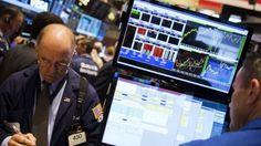 Wall Street abre a la baja perjudicada por Trump y resultados de empresas
