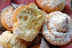 Sospiri di Altamura ricetta arte in cucina Italian Cookie Recipes, Italian Cookies, Italian Desserts, Italian Dishes, Mini Desserts, Dessert Recipes, Italian Pastries, Almond Cakes, I Love Food