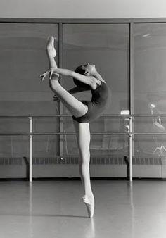 #Ballet #stretch #dance