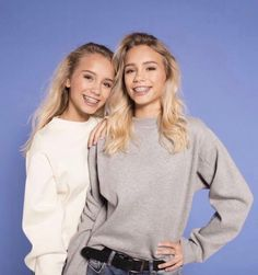 m mentions J'aime, commentaires - Lisa and Lena Millie Bobby Brown, Twin Outfits, Cute Outfits, Alexis Rodriguez, Lisa Or Lena, Lily Chee, Best Friend Goals, Bff Goals, Pretty People
