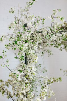 Floral arch Sarah made at @sarahwinward workshop, white blossom, foraged, florist, floral designer, floral design, floral stylist, fine art flowers, fine art photography. Photo by @kateosborne