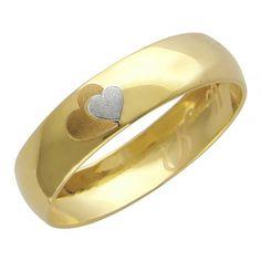 6890 руб Сверкающее обручальное кольцо сердца Ты и я из желтого золота 01О030166- / Обручальное кольцо с гравировкой в виде сердец из желтого золота 4 мм