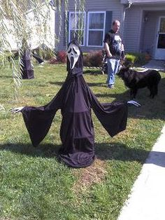 DIY Halloween Decor - Outdoor Halloween Decorations