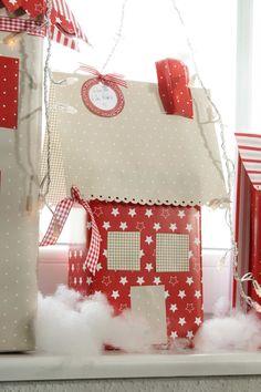 DIY Dezember acufactum Weihnachtsdorf Paket rot mit weissem Dach