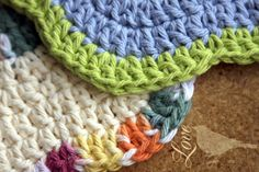 Love The Blue Bird: Flower Dish Cloths. Minion Beanie, Money Making Crafts, Crochet Dishcloths, Crochet For Beginners, Washing Clothes, Pretty Pictures, Merino Wool Blanket, Blue Bird, Crochet Projects