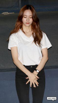 150824 f(Krystal) = SMTOWN THE STAGE Ulzzang Fashion, Kpop Fashion, Japan Fashion, Korean Fashion, Airport Fashion, Krystal Fx, Jessica & Krystal, Jessica Jung, Fashion Idol