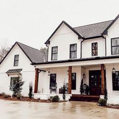 White Farmhouse Exterior, White Exterior Houses, Modern Farmhouse Plans, Dream House Exterior, Farmhouse Design, New House Plans, Dream House Plans, House Goals, The Ranch