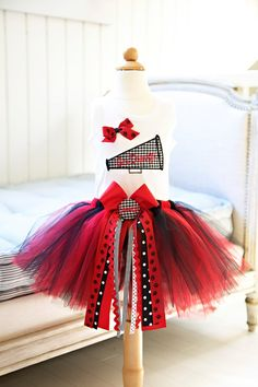 University of Georgia Tutu Set... @sharon murphy Skies,  THIS IS A MUST DO! sooo cute.
