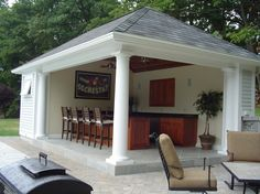 Traditional Porch with MS International Slate Montauk Blue, Cabana, exterior stone floors, Outdoor kitchen, Fence