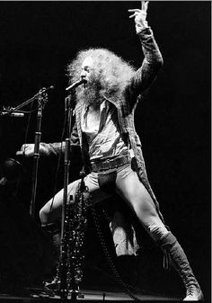 Music Pics, Music Images, Rock Artists, Music Artists, Jethro Tull, British Rock, Rock N Roll Music, Progressive Rock, Vintage Rock