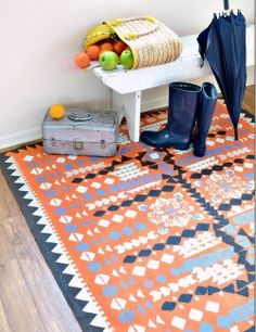 Easy DIY Rugs and Handmade Rug Making Project Ideas - Painted Dropcloth Rug… Drop Cloth Rug, Floor Cloth, Floor Rugs, Drop Cloths, Braided Rug Tutorial, Diy Tutorial, Tapetes Diy, Drop Cloth Projects, Diy Casa