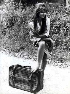 Claudia Cardinale, La Fille à la Valise