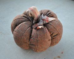 A Day in the life of a Dracofly: DIY: How To Make A Fabric Pumpkin