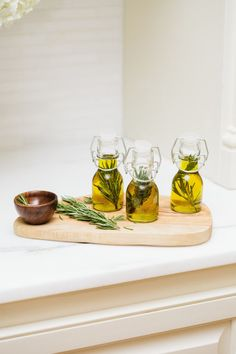 Olive oil favors: http://www.stylemepretty.com/living/2015/08/30/diy-personal-olive-oil-jars/ | Photography: Fashionable Hostess - http://www.fashionablehostess.com/