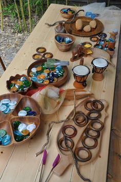 Loose parts provocation - Stumping in the Mud ≈≈ http://www.pinterest.com/kinderooacademy/loose-parts/