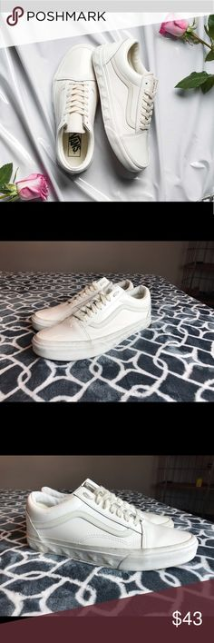 b2aa60dd6bfb1e Vans old Skool studded sneakers unisex VANS OLD SKOOL STUD sidewall. Women  9 Men 7.5