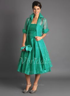 Plus Size 2019 Short Mother of The Bride Jacket Dresses Sleeveless Tea Length Green Suits Evening Gowns Cheap Organza mother of the groom attire Mother Of The Bride Fashion, Mother Of The Bride Jackets, Mother Of The Bride Plus Size, Mother Of Bride Outfits, Mother Of Groom Dresses, Mothers Dresses, Mob Dresses, Tea Length Dresses, Party Dresses