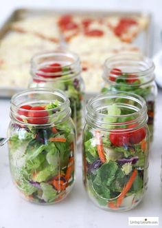 10 Quick and Easy Salad Recipes Perfect for Pizza Halloween Appetizers For Adults, Halloween Snacks, Halloween Dinner, Easy Halloween, Pizza Bar Party, Mason Jar Crafts, Mason Jars, Pizza Wedding, Wedding Foods