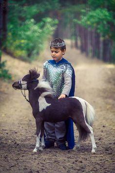 medieval prince royal family with minihorse pony Fantasy World, Riding Helmets, Medieval, Pony, Prince, Cosplay, Character, Pony Horse, Mid Century