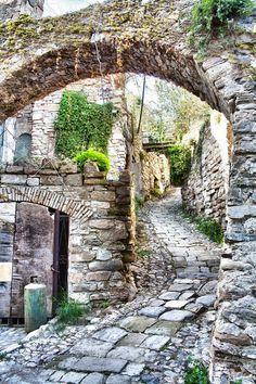scentofapassion:  Bussana vechia, Liguria, Italy by Braioz ( enhanced )