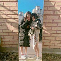 Y/n + y/n's bff Bff Pictures, Best Friend Pictures, Friend Photos, Korean Couple, Korean Girl, Asian Girl, Ulzzang Couple, Ulzzang Girl, Korean Best Friends