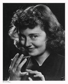 Bette Davis 1946 by Yousuf Karsh