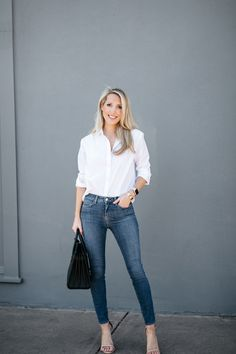 classic style -- white button down --- skinny jeans -- timeless outfit -- date night outfit -- over 40 outfit -- krystal schlegel -- #tiffaniatbretonbay