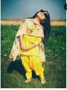 Frocks For Girls, Dresses Kids Girl, Girl Outfits, Baby Dresses, Cute Kids Fashion, Little Girl Fashion, Toddler Fashion, Punjabi Girls, Punjabi Suits