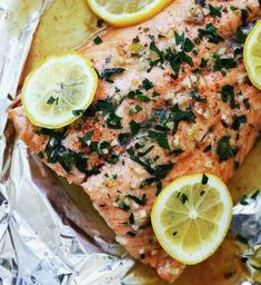 10 cenas deliciosas que te ayudarán a no engordar Baked Salmon Recipes, Meat Recipes, Healthy Recipes, Lemon Butter, Butter Salmon, Fish And Meat, Food Goals, Low Carb Diet, Salmon Burgers
