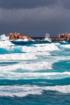 Waves crashing on the rocks. No Wave, Sea And Ocean, Ocean Beach, Ocean Waves, Photo Zen, Ocean Life, Beautiful Beaches, Beautiful Ocean, Beautiful World