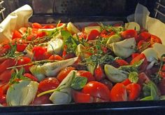 kudy-kam...: Omáčka z pečených rajčat Stuffed Peppers, Meat, Chicken, Vegetables, Food, Red Peppers, Stuffed Pepper, Essen, Vegetable Recipes