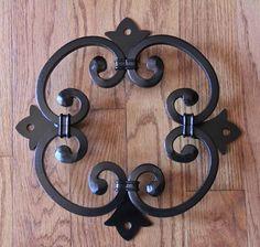 Bolognese Speak Easy / Window for Wood Doors or Gates