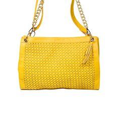 love the design on this purse