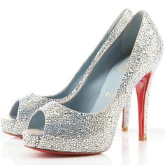 Very Prive, Louboutin bridal strass