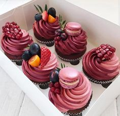 beautiful cupcakes - Birthday and Special Events Sweets & Cakes - Desserts - Dessert Recipes Cupcake Recipes, Dessert Recipes, Picnic Recipes, Baking Desserts, Dessert Food, Health Desserts, Drink Recipes, Delicious Desserts, Yummy Food