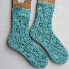 Lace Socks, Crochet Socks, My Socks, Knitting Socks, Crochet Yarn, Hand Knitting, Knit Socks, Ankle Socks, Knitting Blogs