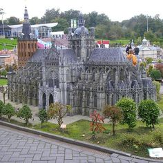 St. Jean Basilica in Den Bosch, The Netherlands, was begun in 1380. It took 200 years to finish the original basilica  http://miniatures.about.com/od/travel/ig/Madurodam-Scale-Models/Madurodam-St.htm
