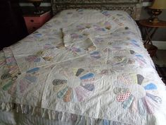 Vintage Country Dresden Plate Quilt With Matching by FairchildsInc