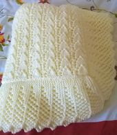 Stunning new hand knitted baby shawl blanket 38 x 38 ins pale lemon Diy Crafts Knitting, Easy Knitting Patterns, Crochet Blanket Patterns, Baby Patterns, Baby Afghan Crochet, Knitted Baby Blankets, Baby Knitting, Preemies, Sustainable Energy