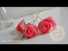 Consejos para mesas dulces: Tarta de golosinas verde y rosa para candy bar | Patrones y Handmade Minnie Mouse Party, Mouse Parties, Saint Valentine, Valentines, Tutorial Rosa, Candy Lady, Candy Flowers, Beauty And The Beast Party, Bouquets