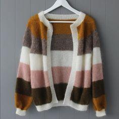 #sorbetcardigan-hashtag på Instagram • Billeder og videoer Crochet Crop Top, Knit Crochet, Shawl Patterns, Her Style, Pullover Sweaters, Winter Fashion, Sorbet, Crop Tops, Photo And Video