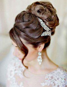 Cute Bun Hairstyles for Wedding Diy Wedding Hair, Short Wedding Hair, Bridal Hair, Wedding Bride, Trendy Wedding, Wedding Dresses, Wedding Venues, Wedding Bun Hairstyles, Diy Hairstyles