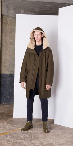Balenciaga Coats Men Olive - Discover the latest collection and buy online Men on the Official Online Store. Hooded Parka, Balenciaga, Hoods, Fashion Photography, Winter Jackets, Menswear, Mens Fashion, Seasons, Clothes