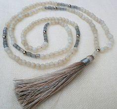 Soft grey glass bead necklace with grey / cream von Brightnewpenny