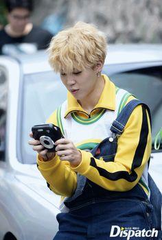 behind the scenes of bts love yourself her photoshoot jimin Park Ji Min, Foto Bts, Bts Photo, Busan, Bts Jimin, Bts Bangtan Boy, Jimin Hot, Bts Boys, Korean Boy Bands