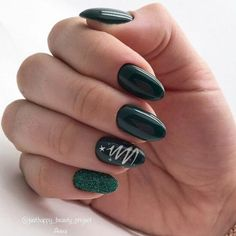 Fall Nail Designs, Acrylic Nail Designs, Acrylic Nails, Christmas Gel Nails, Holiday Nails, Trendy Nails, Cute Nails, Nails Yellow, Dark Green Nails