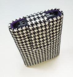 iPhone 4S or iPhone 4 case sleeve cover - Black white houndstooth with purple felt lining