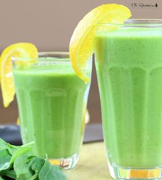 The Rawtarian: Rawtarian's silky green smoothie recipe