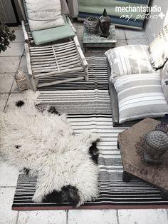 Méchant Design: snapshot of my patio Indoor Outdoor Living, Outdoor Rooms, Outdoor Gardens, Balcony Design, Tiny Balcony, Eclectic Furniture, Porch Garden, Outdoor Curtains, Garden Landscape Design